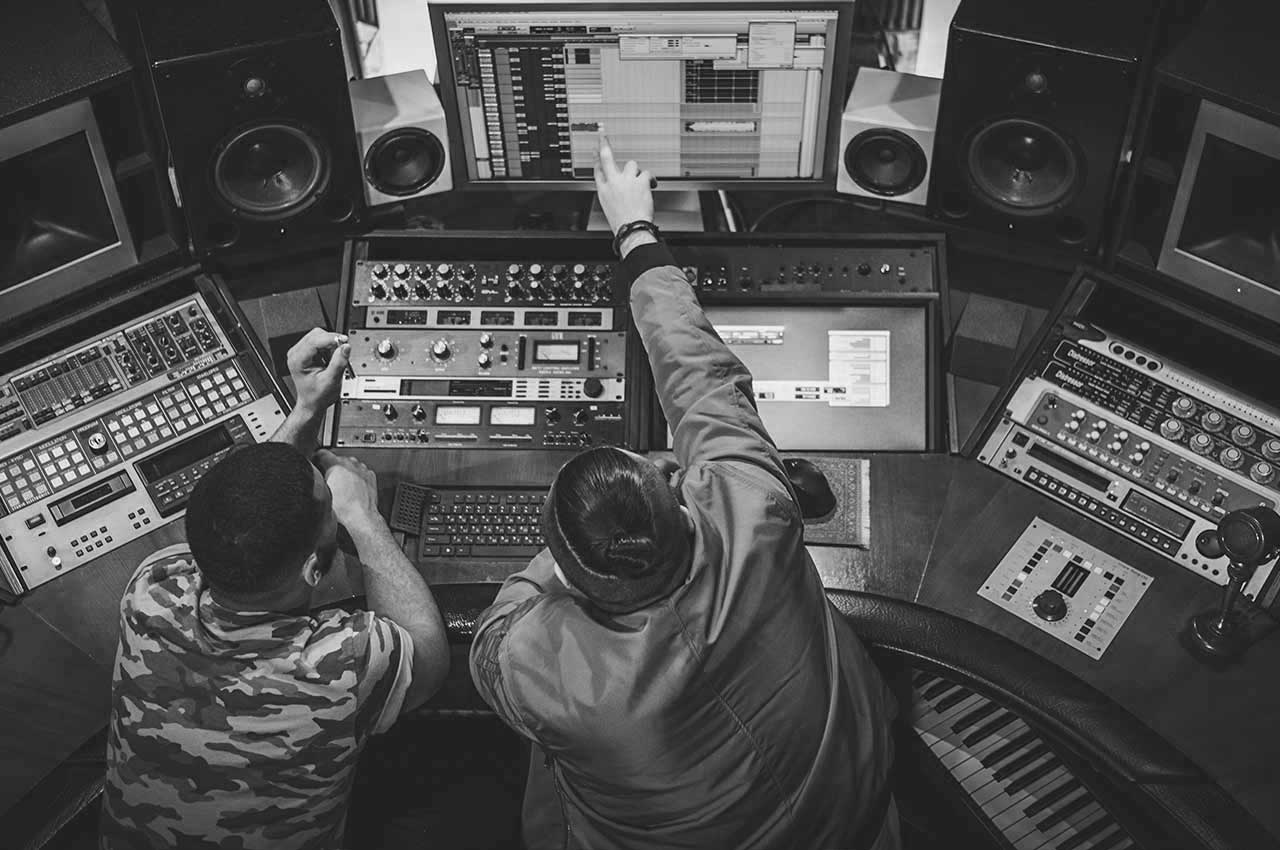 CREATIVE MUSIC BUSINESS, A&R AND SONGWRITING